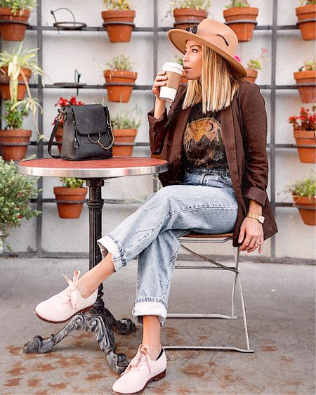 Pit Stop ☕️ Wearing the Evelyn Oxfords from @vionicshoes and they're by far the MOST comfortable pair I've found! And they come in black too! 🙌🏼 http://liketk.it/2GbYp @liketoknow.it #liketkit #LTKshoecrush