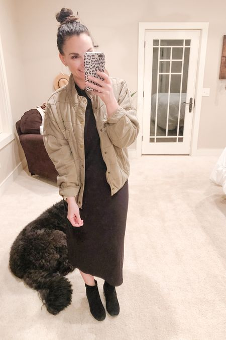 I linked a few quilted jackets that are perfect for spring and summer! Also this black midi is quickly becoming one of my favorites and it's from @walmart! I sized up out of fear of it being too clingy and I'm glad I did, it's a perfectly comfortable fit for me!   http://liketk.it/3aTrr #liketkit @liketoknow.it
