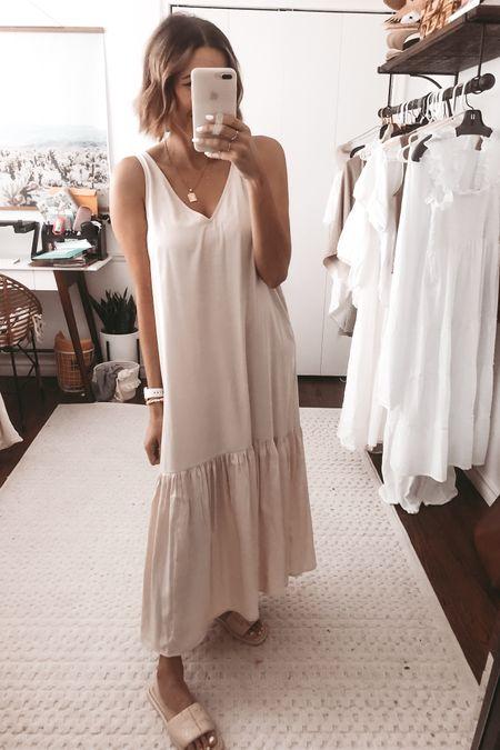 The prettiest maxi dress for spring. Fits TTS. @liketoknow.it http://liketk.it/3g3kQ #liketkit #LTKunder50 #LTKunder100 #LTKstyletip