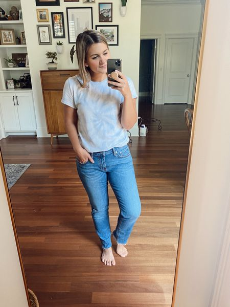 """These low rise jeans aren't tooooo low rise - don't worry! They have a relaxed fit, so I'd go with your usual size on these. They're also cropped on the model but full length on my 5'2"""" self!  Petite friendly jeans Petite jeans Petite style NSale  Nordstrom sale"""