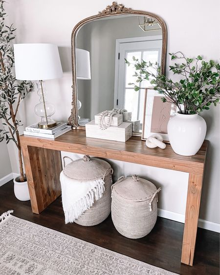 Mid to upper sixties next week? ☀️ I'll take it! 🙌🏼 Linking what entryway table decor I could for you in the app! http://liketk.it/39Pst #liketkit @liketoknow.it #LTKhome #LTKsalealert #LTKunder100