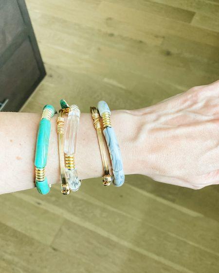Acrylic bracelet stack / bangles / colorful bracelets / 15% off with code karen  Teal bracelet / clear stretchy bracelet / marble bracelet   @liketoknow.it http://liketk.it/3k73j #liketkit #LTKunder50 #LTKsalealert #LTKstyletip