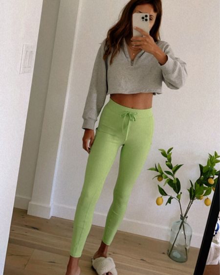 bright leggings from alo yoga! pilates outfit http://liketk.it/3fZFM #liketkit @liketoknow.it #LTKfit #LTKunder100