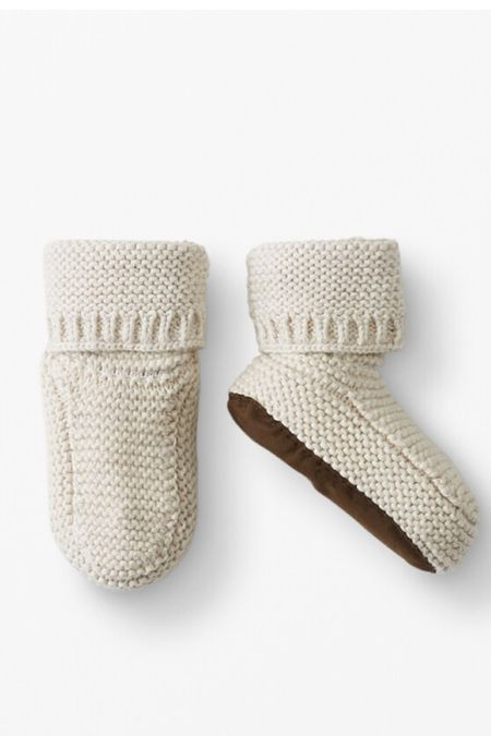 Baby booties for the fall and winter, love these knit ones!   #LTKbaby #LTKbump #LTKkids