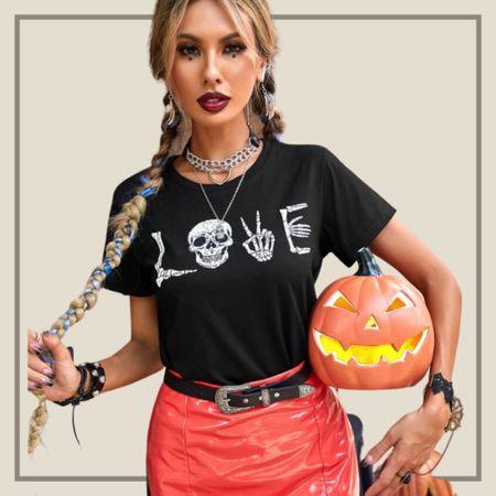 Skeleton print Halloween theme short sleeve tee  #LTKunder50 #LTKstyletip #LTKSeasonal