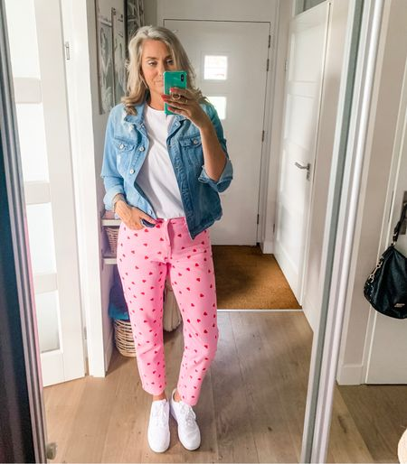 Have been getting compliments on these jeans all day so I figured I'd leave them here for you.   I am wearing a medium throughout. Sneakers fit tts.    #LTKstyletip #LTKshoecrush #LTKeurope
