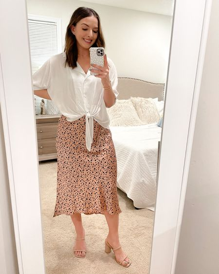 """Love this casual combo from Petal + Pup!  Perfect for spring! Wearing a size 4 in both and I'm 5'3"""" and 120lbs 💕 http://liketk.it/39c44 #liketkit @liketoknow.it #LTKSeasonal"""