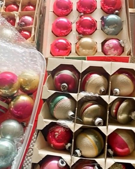 Every year I love to (gently) unwrap and hang my grandmothers vintage Shiny Brite ornaments!    #vintageornaments #heirlooms #heirloomhome #howivintage #shinybrite #antiques #antiquelovers #vintagechristmas #vintagechristmasdecor #christmas2020 #christmasdecor   http://liketk.it/32oV6 #liketkit @liketoknow.it #LTKhome @liketoknow.it.home Shop your screenshot of this pic with the LIKEtoKNOW.it shopping app