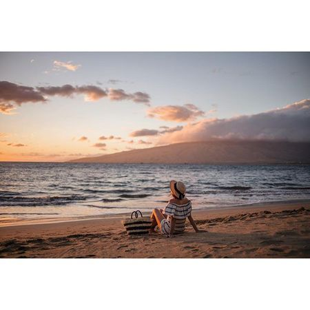 Stripes at sunset #lastofthetrip #sunset #maui #hawaii #willjourney #gmgtravels @liketoknow.it www.liketk.it/23KuM #liketkit