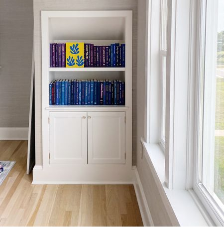 Love how my colorblocked bookcase came out.   #LTKstyletip #LTKhome