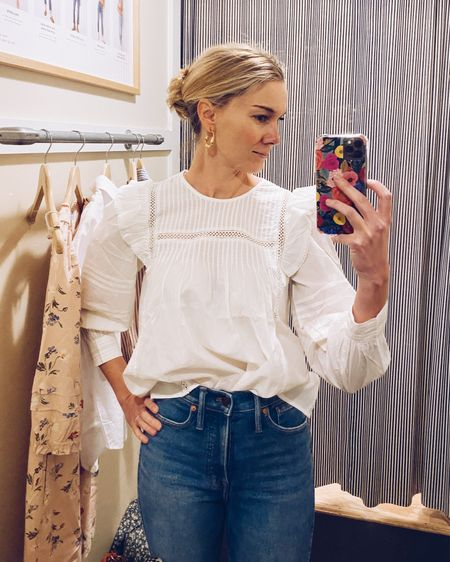 Who cares what the rest of your outfit looks like when your top is this cute! For sizing reference, I'm wearing an xxs.