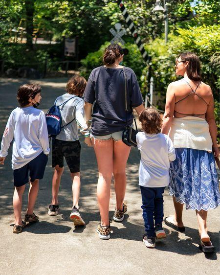 A mommy's weekend in the wild ☀️🦒🐆🐍🦍🦓🎋🐼🐘🐢🐅🦁🌿 http://liketk.it/3eXvz @liketoknow.it #liketkit #LTKfamily @liketoknow.it.family #LTKunder50 #LTKtravel