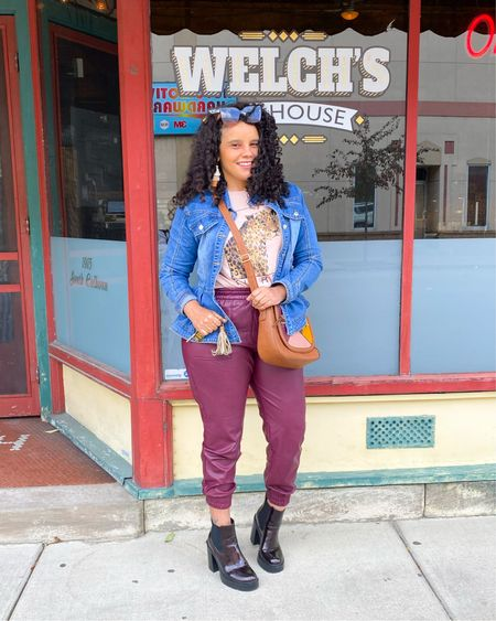 This is my weekend look casual but cute while I was in these Fort Wayne Streets celebrating my birthday a little early with some friends. This look is one of my favs for the weekend . My first time  trying Welchs's Ale House here in Fort Wayne great food and service .. You can shop this look and similar in straight and plus size .  Shop my Like to Know it the link in profile  #weekendvibes #fashionista #fallfashion #falltrends #fashionover40 #igstyle #igstyle #express #sheinsider #kohls #teamnatural #curvyblogger #midsizefashion #curlygirl #indianablogger  #LTKstyletip #LTKunder50 #LTKcurves