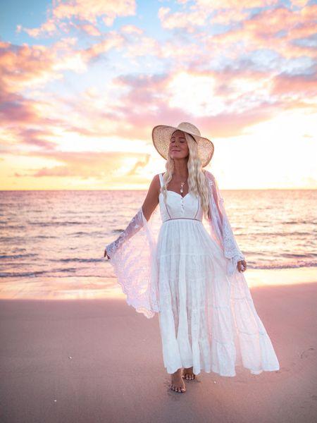 Sunset magic 💫🌅✨ http://liketk.it/3hAej #liketkit @liketoknow.it #LTKstyletip #LTKunder100 #LTKtravel