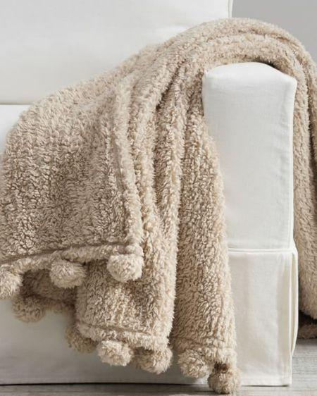 http://liketk.it/31r1o #liketkit @liketoknow.it favorite throw blanket!