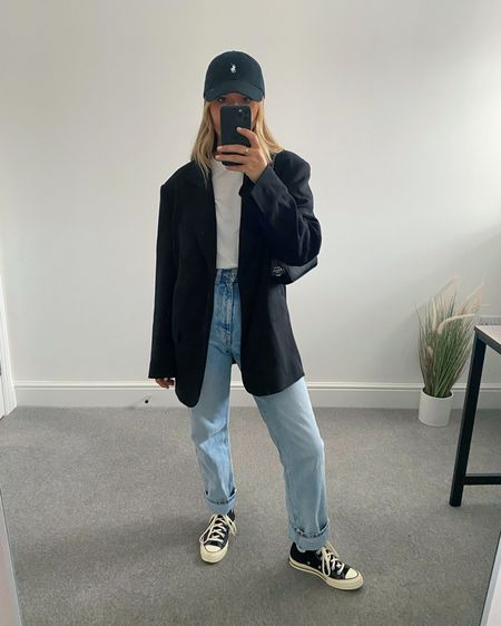 10 Pinterest inspired AW outfits 👉🏼  I'm always on the look out for outfit inspiration and @pinterestuk is one of my go-to places to search for outfit ideas.  Here are 10 outfits I've recreated using clothes I already own in my wardrobe.  8. Black oversized blazer, straight jeans, converse & cap  #LTKunder50 #LTKstyletip #LTKeurope