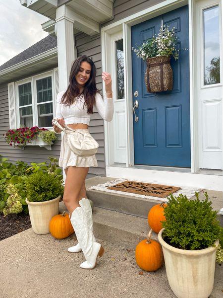 white beige neutral fall fashion outfit  #LTKstyletip #LTKSeasonal #LTKfit