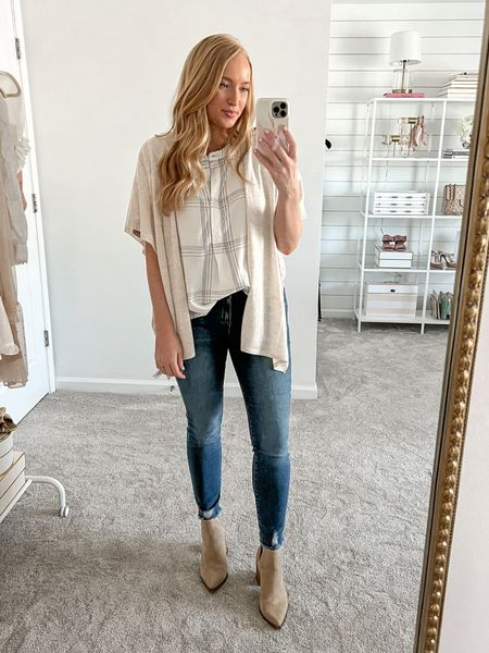 Casual fall outfit wearing Loft and Walmart jeans! This pair is my pre pregnancy size and that says a lot about the stretch and fit of these jeans! Wearing a size4