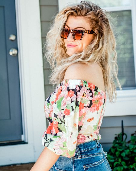 Want these Kelly Kapowski curls? I'm on a major volume kick. Products linked here. #wavyhair @liketoknow.it #liketkit http://liketk.it/2T071 #curlyhair #hairproducts #florals #90sstyle