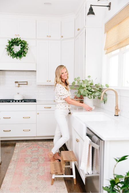 Keeping some fresh greenery around always makes a space brighter and more vibrant to me! Easy to do and maintain 😍 http://liketk.it/3jEYg #liketkit @liketoknow.it #LTKhome #kitchen #kitchendecor #whitekitchen #kitchenstool