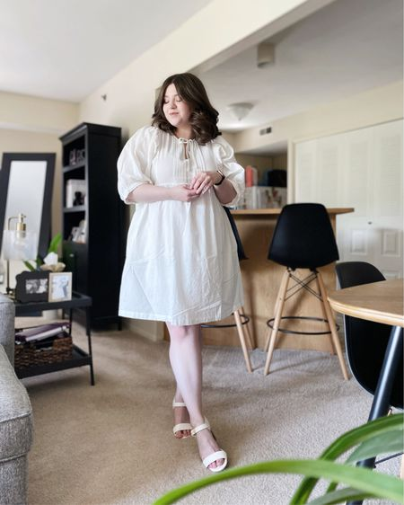 Linen dress.   Shop my look and similar items at thefellowfashionista.com or the @liketoknow.it app. Sizing details on my blog.    http://liketk.it/3k3b6    #liketkit   #LTKstyletip     #LTKunder50   #LTKunder100