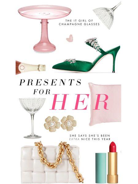 Presents for her at every price point! #giftguide #LTKgiftspo #LTKunder100 http://liketk.it/33OZW #liketkit @liketoknow.it #LTKunder50