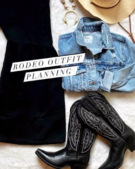 http://liketk.it/3hPbM #liketkit @liketoknow.it #rodeo #goingwest #summertravelstyle #cowboyboots