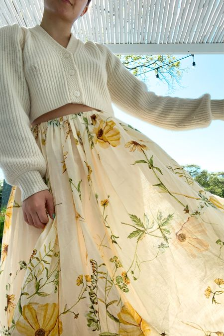 This skirt from H&M😍 100% cotton and perfect for sunny summer days http://liketk.it/3f7pk #liketkit @liketoknow.it #LTKunder100 #LTKunder50 #LTKsalealert #skirt #set #summersets #floral #boho #bohochic #midiskirts #summer #summerstyle