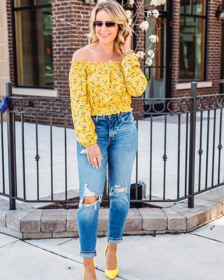 Happy Short week!  This top is old so I linked similar ones! Shop your screenshot of this pic with the LIKEtoKNOW.it shopping app http://liketk.it/3gAP2 #liketkit @liketoknow.it #LTKunder100 #LTKstyletip #LTKshoecrush  . . . . . . . . .  #ootdshare #bloggerbabe #bloggerstyle #realoutfitgram #mamaswithstyle #realmomstyle #getthelook #styleinspo #michiganblogger #whatiwore #aboutalook #rewardstyleblogger #pursuepretty #affordablefashion #outfitinspo #stylecrush #outfitgoals #basic #yellow #offtheshoulder #springstyle