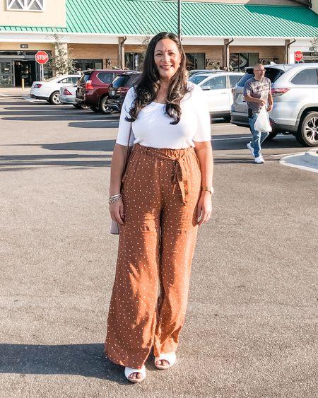 Paper bag pants, wide leg, polka dot, white shirt White sandals, pearl earrings Summer vacation outfit   http://liketk.it/2KnsG #liketkit @liketoknow.it