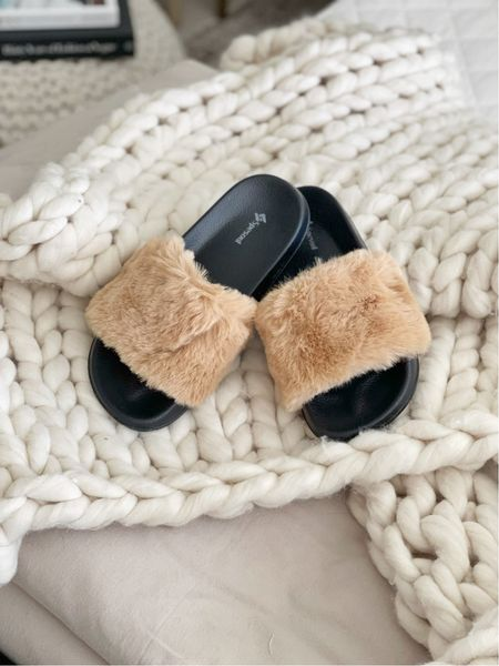 S H O E S \ winter furry slides FTW!! Only $19 and fit TTS🤍  #slides #slippers #amazon #amazonfind  #LTKunder50 #LTKSeasonal #LTKshoecrush