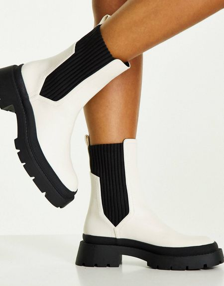 White fall boots #fallboots #whiteshoes  #LTKshoecrush #LTKstyletip #LTKSeasonal