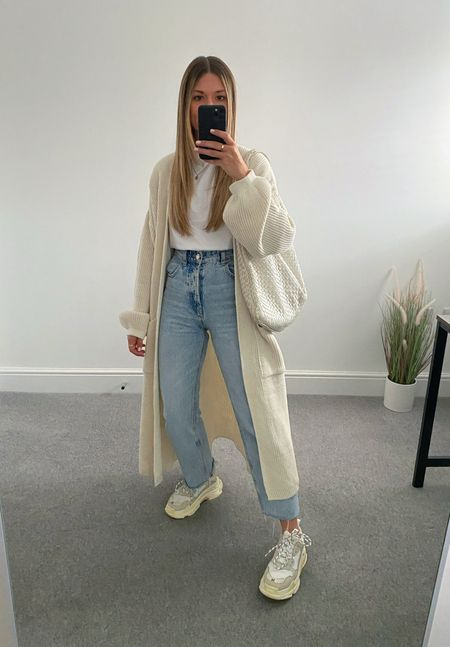 10 ways to wear a maxi cardigan 👉🏼   The perfect transitional layer for those 'in between' outfits. I wasn't much of a cardigan wearer until this came along and now it's all I want to wear.  10. White T-shirt and chunky trainers     #LTKunder50 #LTKstyletip #LTKeurope