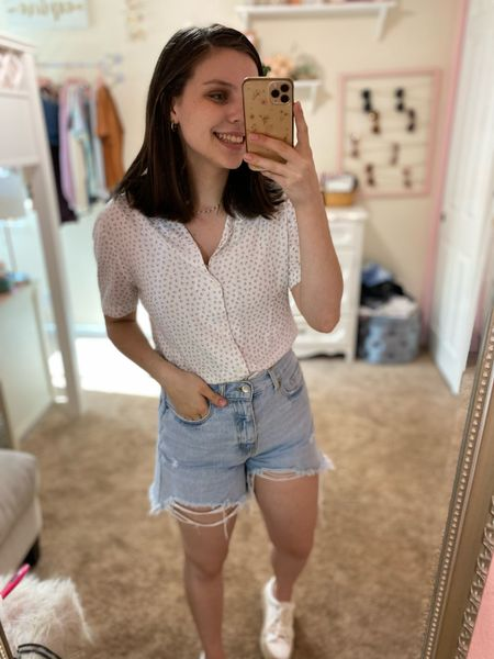 Today's look with the express men's top! All true to size (but if inbetween go up in the shorts!)💓 #outfitinspo #shorts   #LTKSeasonal #LTKstyletip #LTKunder50