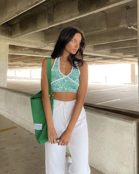 Love this pattern top and green bag🧚🏻🥰 #fashion #womensfashion #amazon #ootdinspo  #LTKstyletip #LTKunder50 #LTKfit