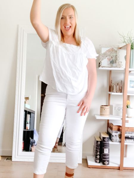 White Jeans styled 5 different ways on Instagram. Wearing a size 31.  Summer style  Summer outfits Shop my daily looks by following me on the LIKEtoKNOW.it shopping app http://liketk.it/3gWOt #liketkit @liketoknow.it #LTKunder50 #LTKstyletip #LTKcurves