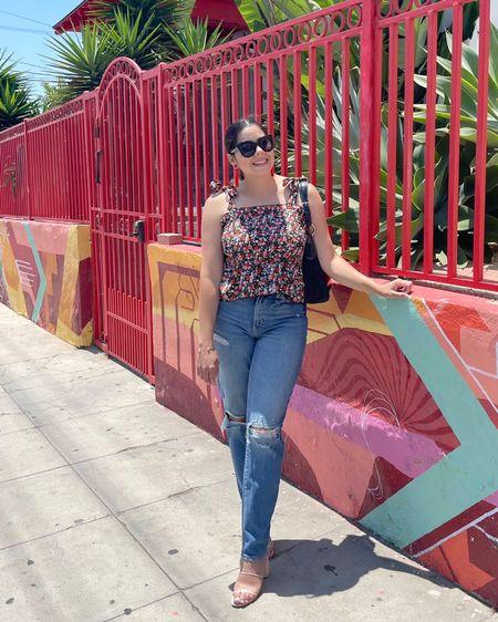 Floral stretchy top, floral peplum top, missguided, mom jeans   #LTKSale #LTKSeasonal #LTKunder50