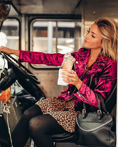 Don't let your ice cream melt because you're counting someone else's sprinkles🍦💖 •  http://liketk.it/2yAaJ #liketkit @liketoknow.it
