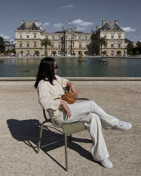 All white at Jardin du Luxembourg