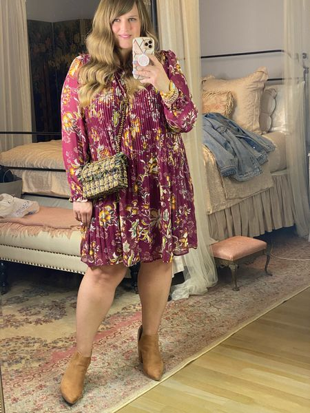 The cutest floral dress for under $20! Fully lined! Walmart, walmart dress, time and tru dress, pleated dress
