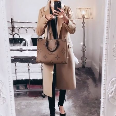 I love pairing a block-colour base with an overcoat or cardigan. The Louis Vuitton OnTheGo MM works perfectly with a camel colour and black ✨  #LVOnTheGo #LouisVuittonBag #CamelCoat #LonglineCoat #WomensStyle  #LTKDay #LTKstyletip #LTKworkwear