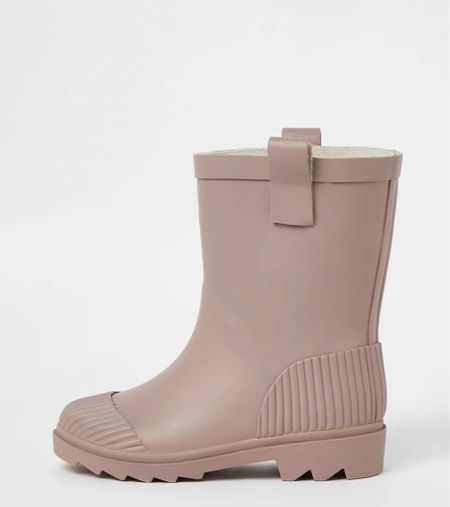 The cutest toddler rain boots!