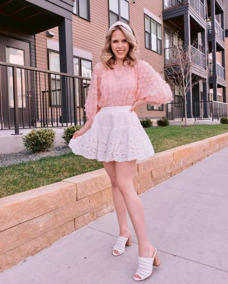 Go on, guess the temperature outside when I took this picture 🤣 Totally worth freezing my tush off with this @chicwish appliqué blouse, it's just so sweet 🌸 I cannot bundle up any more, so I've made the executive decision to just go ahead and start dressing like it's spring... so take THAT Minnesota! . . . You can shop this look by going to the link in my bio or by following me in the @liketoknow.it app 🌸🌿✨ http://liketk.it/3dYX4 #liketkit #LTKunder50 #LTKstyletip #LTKsalealert