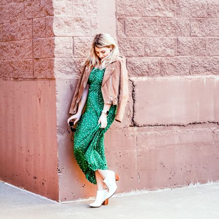 Dress for spring, even if it's just around your house. (Stay inside, shelter in place, stop the spread. 👌) Light leathers and suedes are in for spring, and this jacket is a classic. @liketoknow.it #liketkit http://liketk.it/2LCFG #springoutfit #kellygreen #springtrends #whatiworw