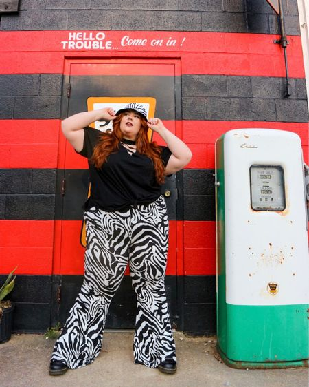Obsessed with the #90s vibes from this outfit!! #hottopic #hottopicplussize http://liketk.it/3dyUZ #liketkit @liketoknow.it #LTKcurves #LTKstyletip #LTKsalealert