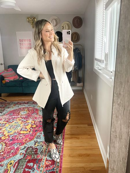 Blazer outfit: An oversized blazer is a must for fall! This white blazer is an amazon find and my jeans are target! fall outfits // snakeskin mules // fall shoes // fall outfits   #LTKunder50 #LTKshoecrush #LTKworkwear