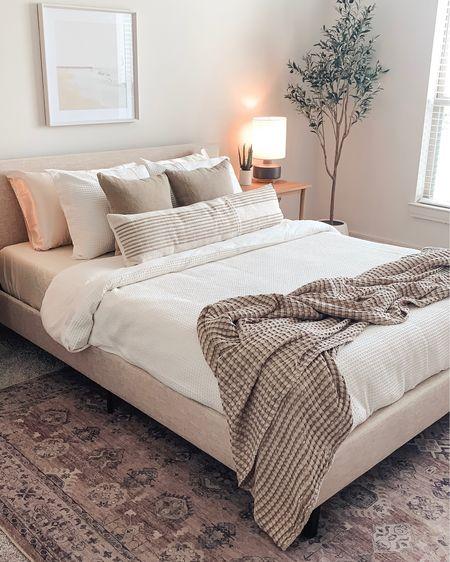 Bedroom details ✨ http://liketk.it/3iQ49 #liketkit @liketoknow.it   Home inspo, home decor, bedding, bedroom inspo  #LTKhome #LTKstyletip #LTKunder50