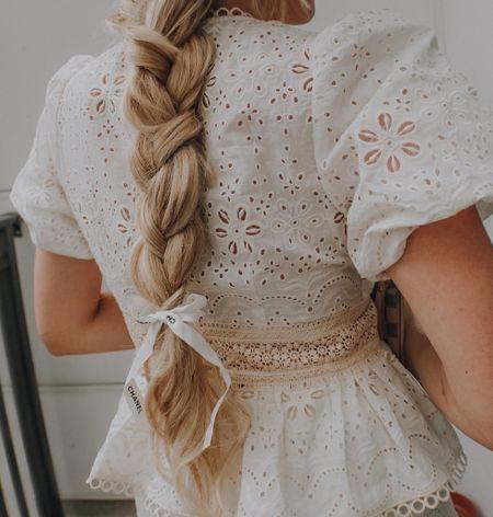 Long hair and neutral outfit for fall 🍁  #LTKSale #LTKSeasonal #LTKbeauty