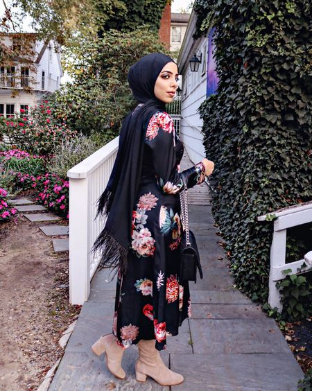 Really feeling fall florals for this season 🍂🍁 tied together my outfit with this beautiful feather hijab from @framedpeople 👢 http://liketk.it/2tiXw #liketkit @liketoknow.it Follow me in the LIKEtoKNOW.it app to shop this look #LTKholidaystyle #LTKitbag #LTKsalealert #LTKshoecrush #LTKstyletip #LTKunder50 #LTKunder100