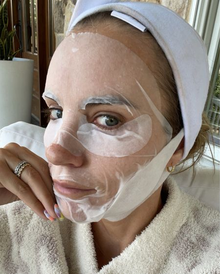 Glycolic acid sheet mask for glow, chin strap for treating double chins and under eye gels for dark circles 🤍 #LTKbeauty #liketkit @liketoknow.it http://liketk.it/3itbt